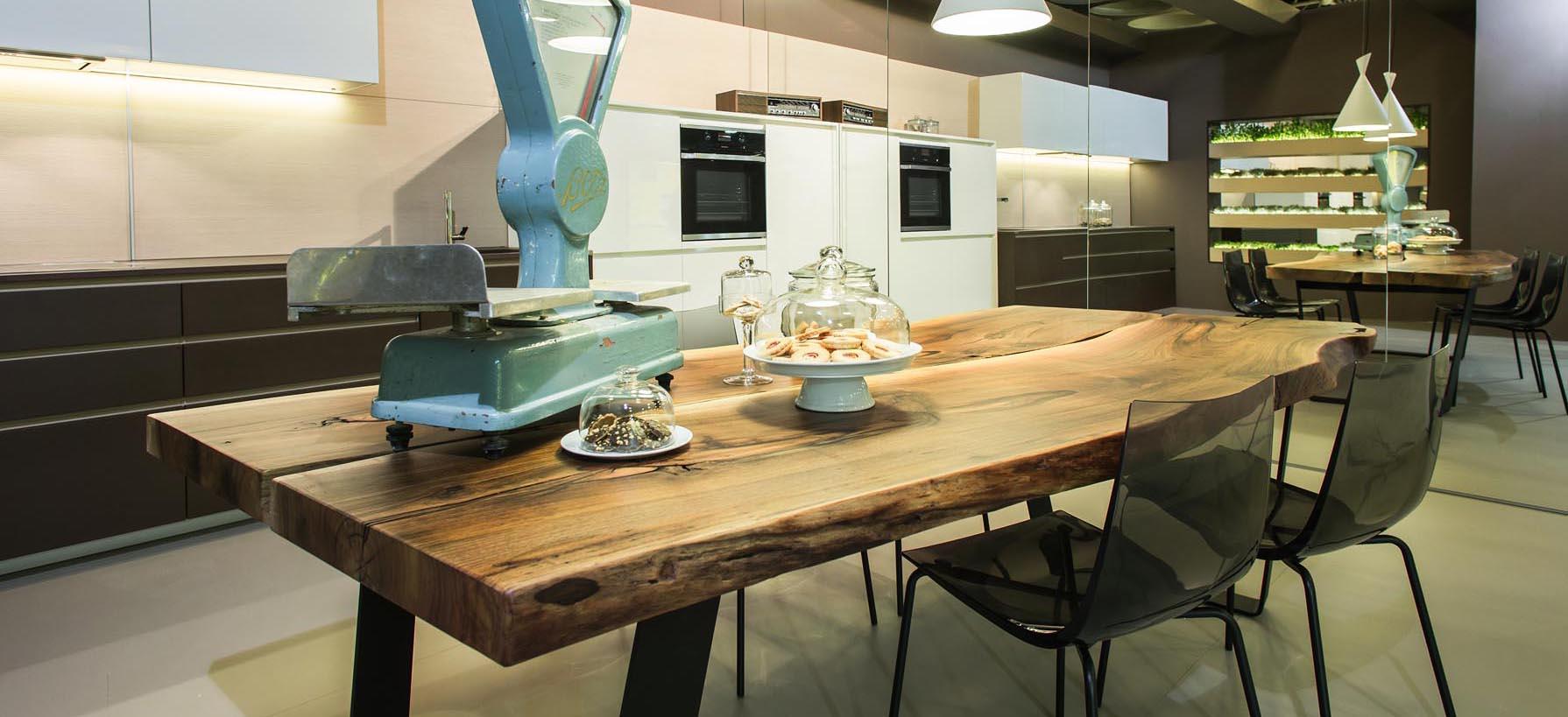 Moderna jedilniška miza